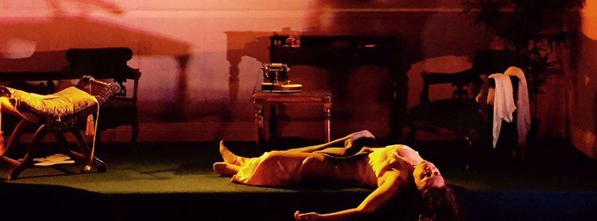 LA Voix humaine, opening scene